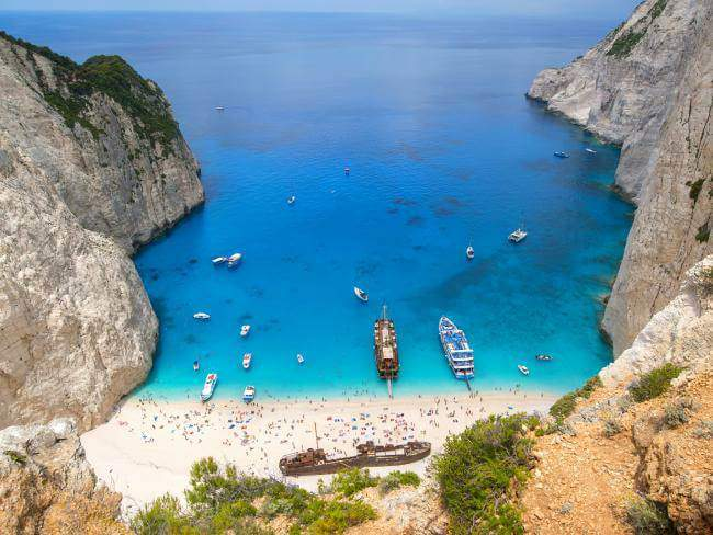 SHIPWRECK AND BLUE CAVES (Boat trip from Zante Town or Alykes)